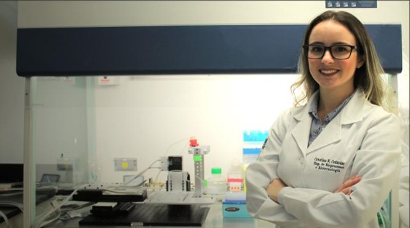 Brasileira ganha prêmio internacional com pele que substitui testes em animais