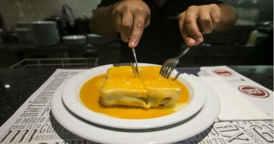 Francesinha, sanduíche típico de Portugal em versão vegana